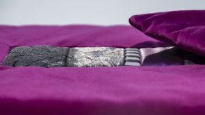 Kissen Rea in magenta handgefertigt aus hochwertigen Stoffen