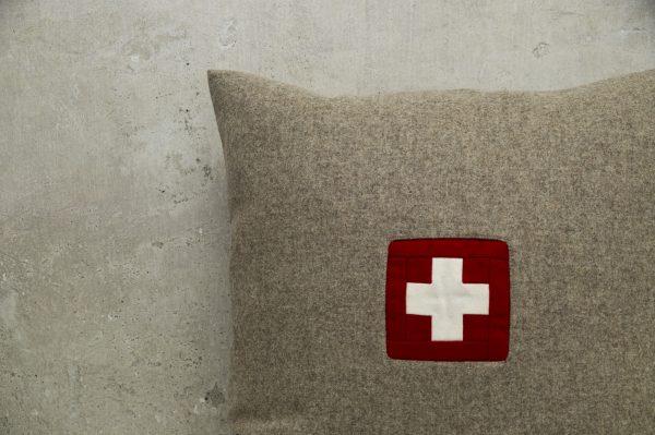Kissen mit Schweizer Kreuz original