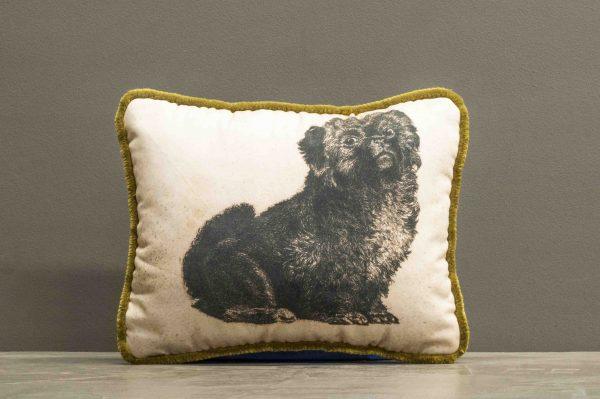 Kissen mit Hundemotivdruck auf Baumwolle